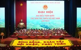 Dưới lá cờ vẻ vang của Đảng, các dân tộc đoàn kết,  giúp đỡ nhau cùng phát triển với đất nước