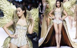 Hóa thân nữ thần, Đỗ Mỹ Linh như gục ngã với chiếc váy dát vàng nặng 40kg