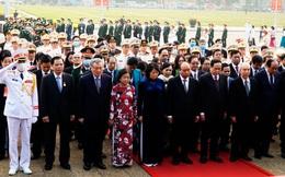 2.300 đại biểu tham dự Đại hội Thi đua yêu nước toàn quốc lần thứ X vào Lăng viếng Bác