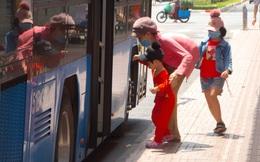 Thấy gì trong ngày đầu xe buýt ở TPHCM khôi phục hoạt động?
