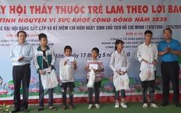 """200 trẻ em nghèo và người khuyết tật được chăm sóc trong ngày hội """"Thầy thuốc trẻ làm theo lời Bác"""""""
