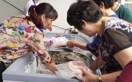 """Giá thịt lợn cao ngất ngưởng: Người tiêu dùng cần được """"giải cứu"""""""