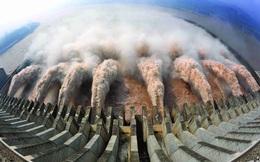 Mưa kỷ lục đe dọa đập thủy điện lớn nhất thế giới