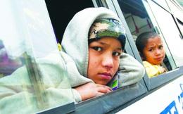 Đường về nhà của những đứa trẻ mồ côi giả ở Nepal