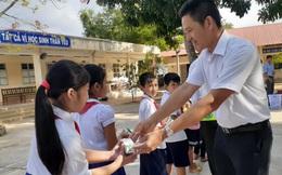 Trẻ em Trà Vinh đón niềm vui uống sữa học đường sau khi quay lại trường