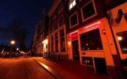 """Ngành mại dâm ế ẩm sau dịch Covid-19, Amsterdam theo đuổi du lịch """"sạch"""""""