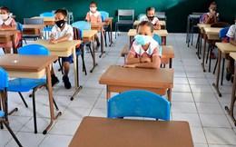 Hàng triệu trẻ em có nguy cơ phải bỏ học hoàn toàn do dịch bệnh