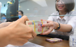 Lãi suất tiết kiệm giảm mạnh, nên đầu tư tiền vào đâu để sinh lời?