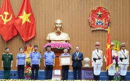 Viện kiểm sát nhân dân đón nhận Huân chương Hồ Chí Minh trong dịp kỷ niệm 60 năm thành lập