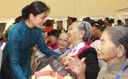 Trung ương Hội LHPN Việt Nam tặng quà tri ân đại biểu Bà mẹ Việt Nam Anh hùng toàn quốc