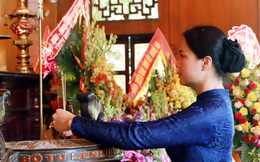 Đoàn cán bộ TƯ Hội LHPN Việt Nam về thăm quê Bác
