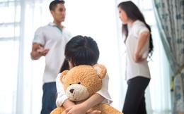 Bố mẹ căng thẳng, stress khiến con hoang mang, mất tự tin