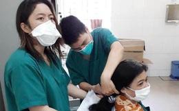 Đà Nẵng: Các nữ bác sĩ cắt tóc ngắn để lên tuyến đầu chống dịch