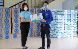 """Vinamilk tặng gần 170.000 sản phẩm dinh dưỡng cho các """"điểm nóng"""" Covid-19"""