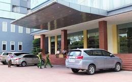 Bé trai 6 tuổi rơi từ tầng 9 khách sạn tử vong