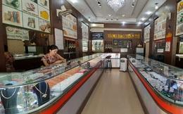 Tiệm vàng vắng hoe khi giá vàng lập kỷ lục
