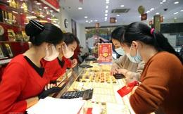 """Giá vàng thế giới lại tăng, thị trường trong nước có còn """"lệch sóng""""?"""