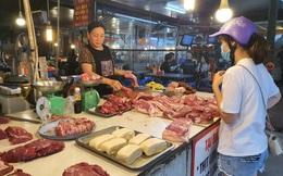 Thịt lợn giảm 10.000 đồng/kg, rau xanh tăng giá mạnh