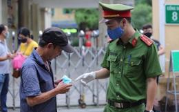 Hà Nội: Xử phạt gần 700 trường hợp không đeo khẩu trang nơi công cộng