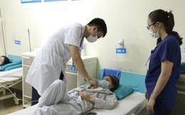 Tự điều trị ung thư vú bằng đắp lá thuốc, nữ bệnh nhân bị hoại tử, lở loét vùng ngực