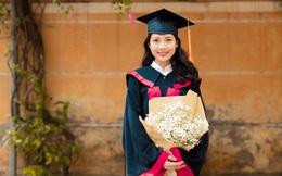 Nữ sinh nghèo tốt nghiệp thủ khoa từng đi phục vụ quán ăn, bán quần áo
