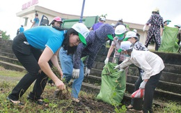 """Phụ nữ Việt Nam thiết thực hưởng ứng Chiến dịch """"Làm cho thế giới sạch hơn"""""""