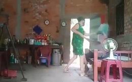 Long An: Công an xác minh video bà cụ bị người phụ nữ bạo hành