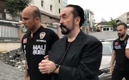 Trùm giáo phái tình dục bị tuyên án hơn 1.075 năm tù