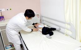 Phẫu thuật thành công cho bé 3 tuổi bị cong vẹo cột sống