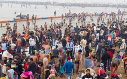 Bất chấp dịch Covid-19 bùng phát, hàng triệu người Ấn Độ vẫn hành hương tới sông Hằng