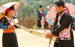 """""""Níu chân"""" du khách bằng cách nỗ lực lưu giữ tiếng khèn Mông"""