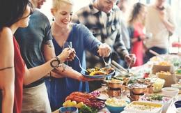 Ăn uống quá đà dịp lễ Tết có thể gây ra các bệnh, vậy ăn uống hợp lý trong dịp nghỉ lễ bằng cách nào?