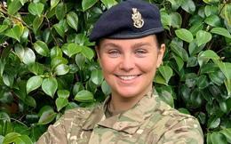 Học viên quân đội lên ngôi hoa hậu Anh