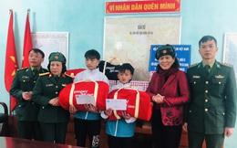 Trao học bổng và quà Tết cho con cán bộ, chiến sĩ đồn biên phòng nơi biên giới Hà Giang