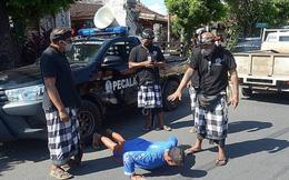 Indonesia: khách không đeo khẩu trang sẽ bị phạt chống đẩy 50 lần