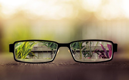 Người bị cận thị nhẹ có nên đeo kính cận không?