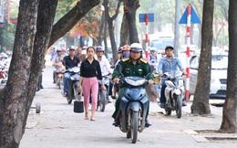 Chủ tịch Hà Nội: Xử lí nghiêm trường hợp đi xe trên vỉa hè