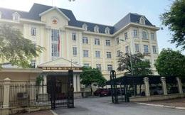 Điều tra nguyên nhân thẩm phán tòa án quận Hoàng Mai tử vong tại phòng làm việc
