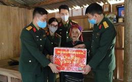 """""""Xuân biên giới thắm tình quân dân"""" tặng quà Tết trị giá hơn 3 tỷ cho mẹ VNAH, gia đình chính sách, học sinh nghèo ở Quảng Trị"""