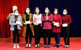 Yên Bái: Tặng quà hỗ trợ Tết cho 5 giáo viên có hoàn cảnh khó khăn