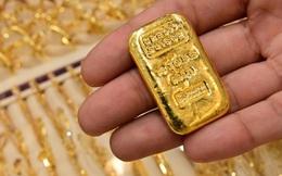 Vàng tăng giá trở lại bất chấp các quỹ xả hàng