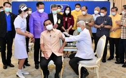 Thủ tướng Thái Lan tiêm vaccine ngừa Covid-19