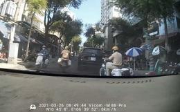 """Sản phụ sinh con trên ô tô: Cảm ơn 2  anh cảnh sát giao thông đã """"mở đường"""" đến bệnh viện"""