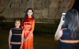 Dàn Hoa hậu Việt Nam giao lưu với các cầu thủ Hoàng Anh Gia Lai