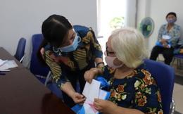 Tặng 150 phần quà cho phụ nữ bị ảnh hưởng bởi dịch bệnh Covid-19