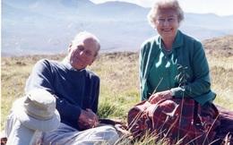 Nữ hoàng Anh Elizabeth II chia sẻ bức ảnh hạnh phúc một thời bên Hoàng thân Philip