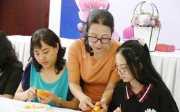 Phó Chủ tịch Hội LHPN Việt Nam Bùi Thị Hòa thăm mô hình Nhà Văn hóa Phụ nữ TPHCM
