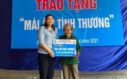Phó Chủ tịch Hội LHPNVN, Chủ tịch Hội đồng thành viên TYM Đỗ Thị Thu Thảo thăm và tặng quà phụ nữ, trẻ em tại Nghệ An