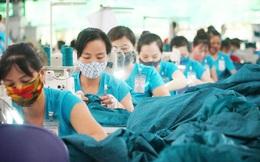 Lao động nữ trung niên nơm nớp nỗi lo mất việc