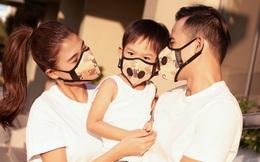 Gia đình Thúy Diễm đeo khẩu trang ton-sur-ton dạo phố